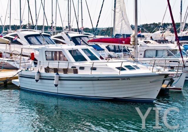 adria v 1002 motor yacht in croatia charter on yachtsincroatia