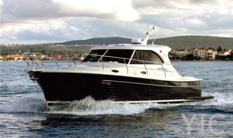 adriana 36 motor yacht in croatia charter on yachtsincroatia