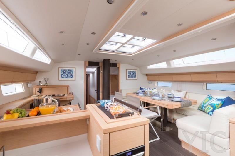 boat jeanneau 64 interieur 2014051416071424
