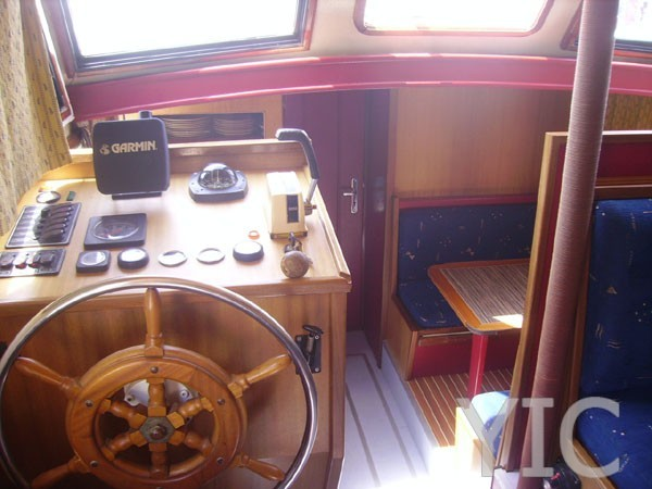 cruiser 1090 motor yacht in croatia charter on yachtsincroatia