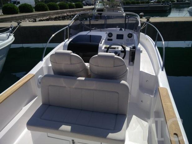 focus sun deck  23 yachts in croatia charter