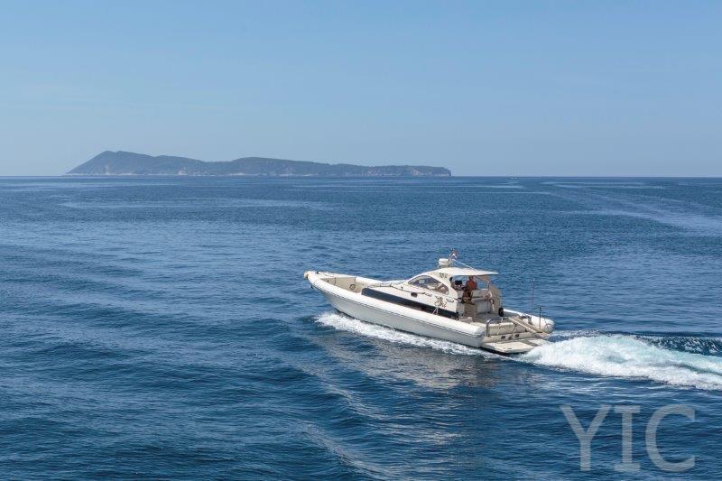 motorni brod transfer, charter