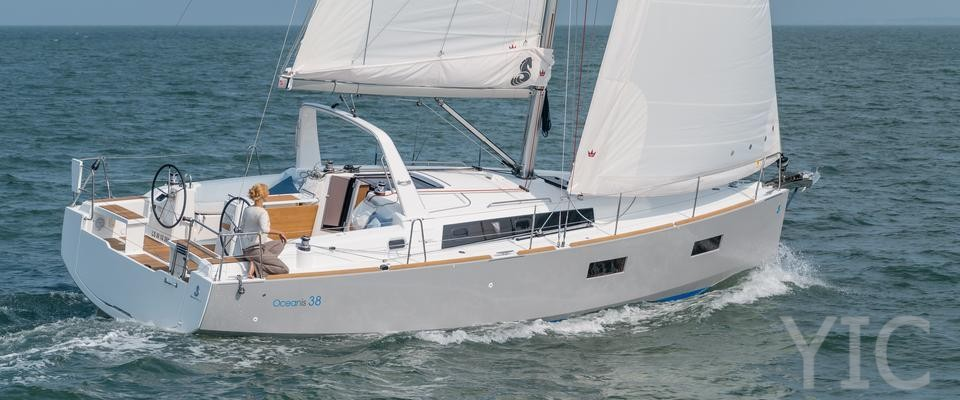 oceanis 38 under sail1