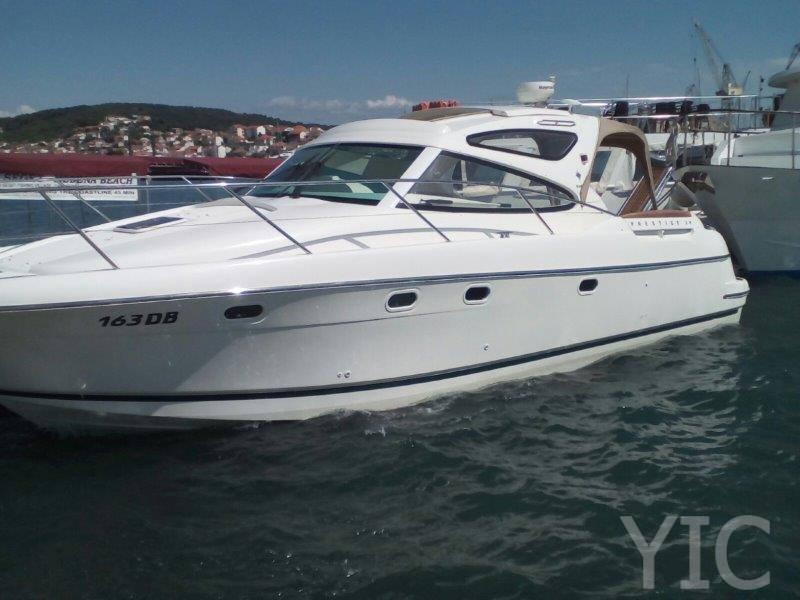 rent a boat in trogir jeanneau prestige 34