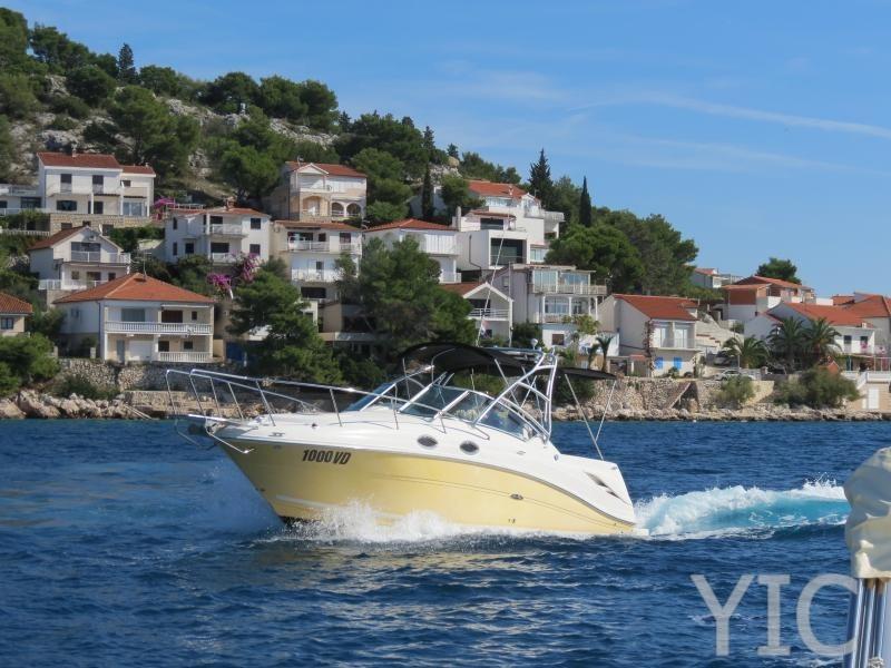sea ray 275 motor yacht in croatia charter on yachtsincroatia