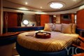 azimut yachts 50 owner cabin