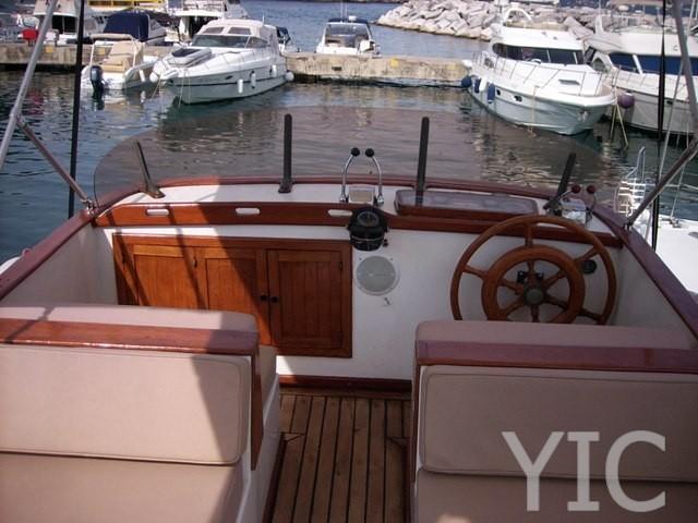 trawler 34 motor yacht in croatia charter on yachtsincroatia